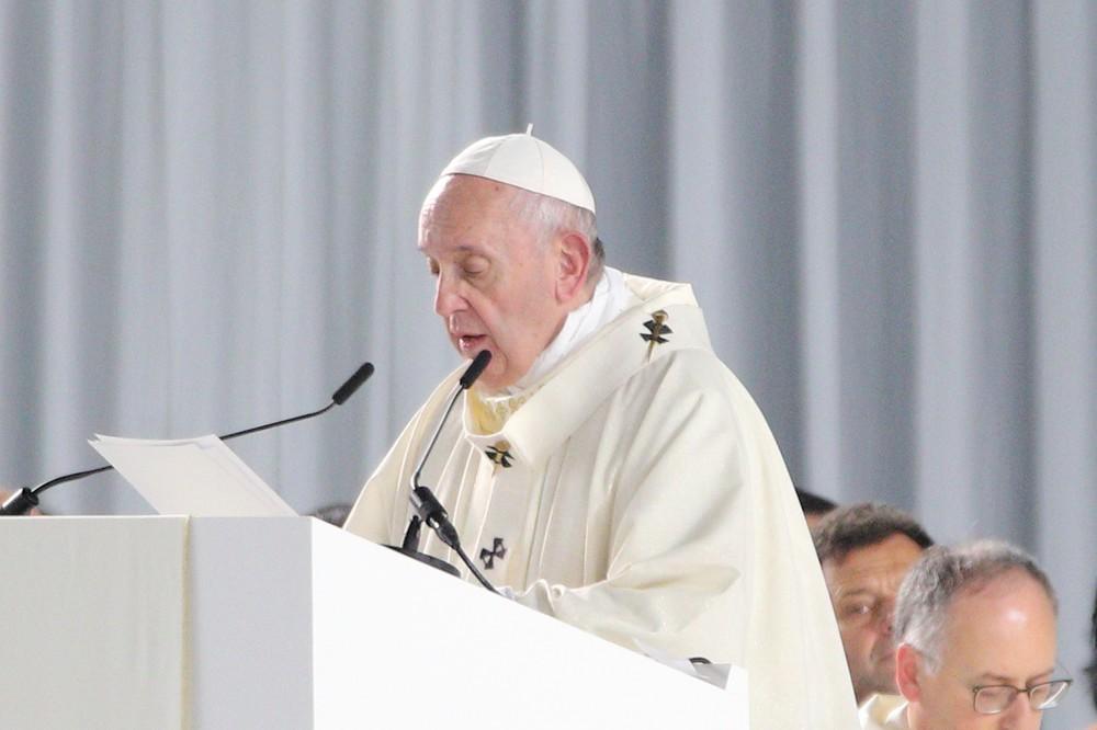 日本の若者は「過剰競争で傷ついている」 ローマ教皇が5万人ミサで訴える