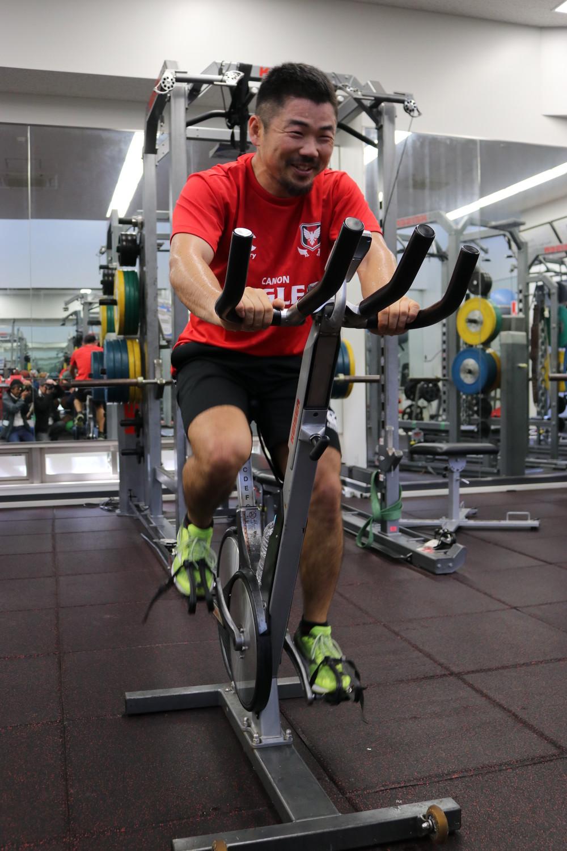 「僕、こういうトレーニングしなくても走れるんで」 ラグビー田村優が「ドクターX」に見えた日