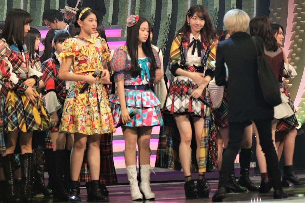指原莉乃さんのミニスカ衣装で紅白リハーサルに登場した柏木由紀さん