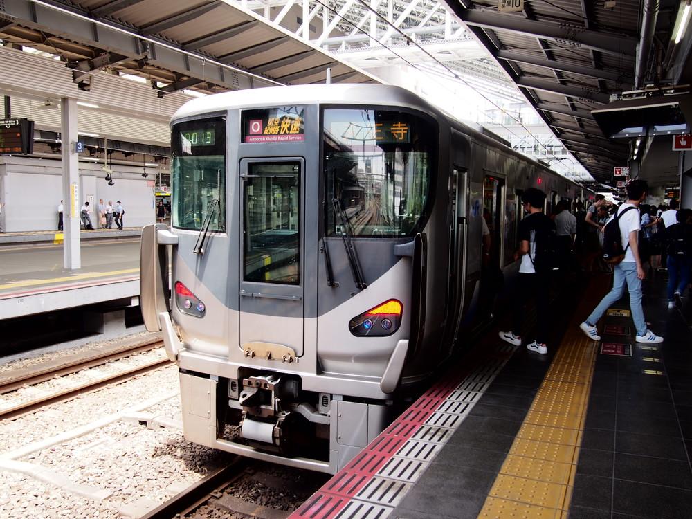 増える「転換クロスシート車両」、去る旧国鉄型 JR西日本の発表を読み解く