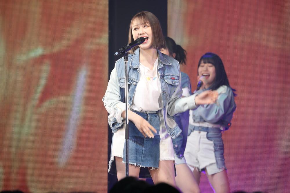 村重杏奈さんは20年1月のコンサートで、最初の100分間センターを務めた(2020年1月撮影)