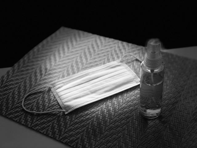 スギ薬局、行列「感染リスク」に苦肉の策 マスク・消毒液は開店直後に売りません、問い合わせもやめて!