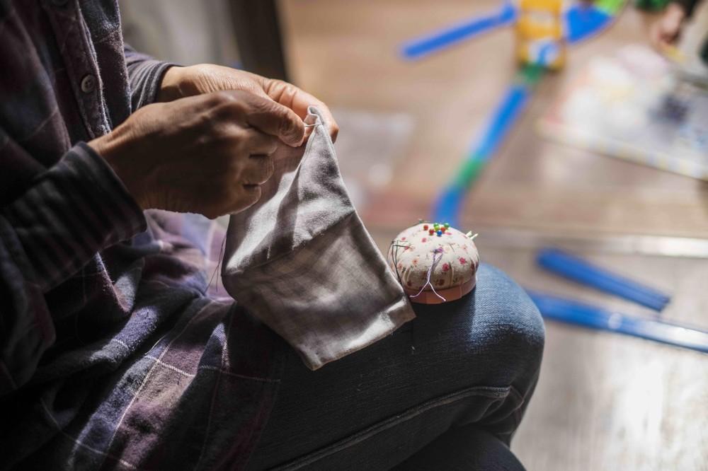 手作りマスク需要で「普段とかけ離れた混雑」 手芸店「そのお買い物が『不要不急』にあたるのか...」
