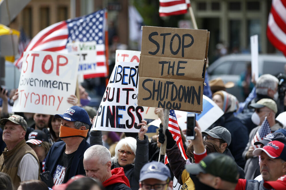 4月20日にペンシルベニア州ハリスバーグで起きたデモ(写真:AP/アフロ)