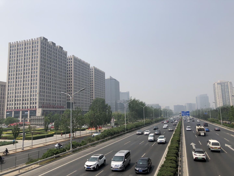 北京で最もよく使われている第四環状道路(環4)の交通量は、コロナによる外出禁止以前の状態にほぼ戻っている(2020年5月1日、筆者撮影)