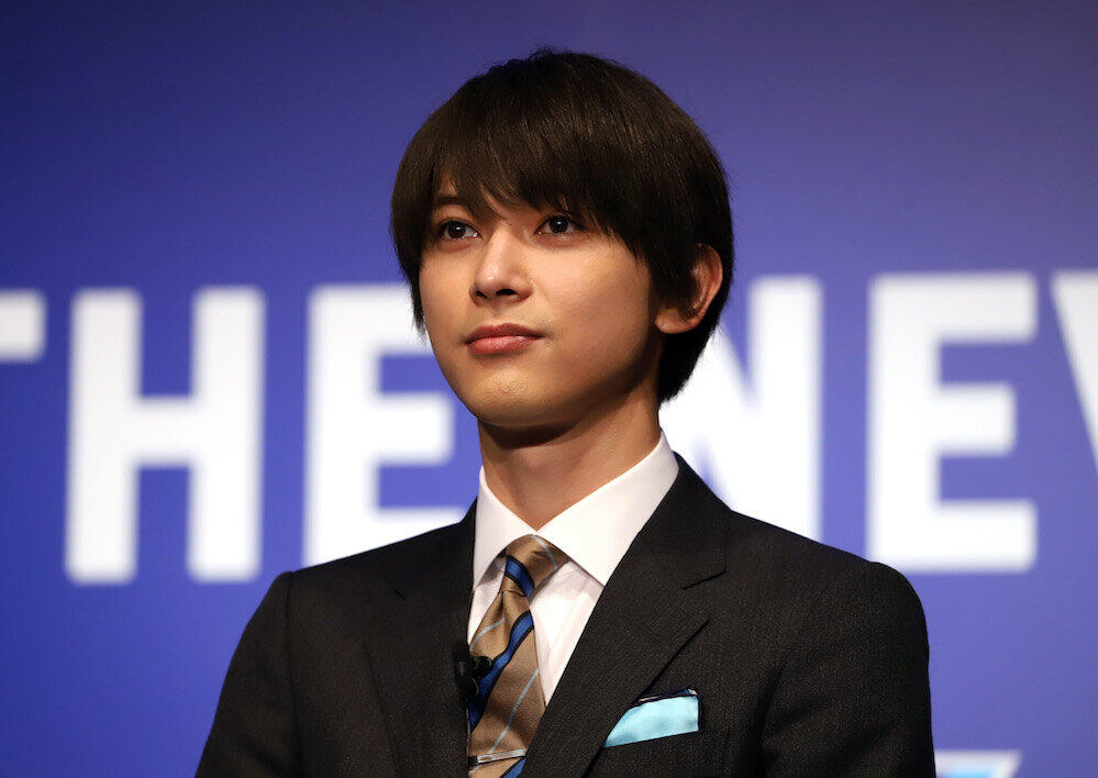吉沢亮、楽屋が青だらけに 主演の大河「青天を衝け」にちなみ...スタッフ「染まっています」