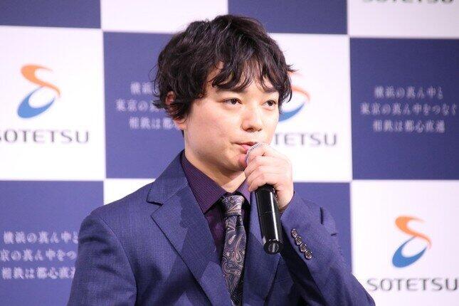 染谷将太の「信長→高校生姿」に注目 「危険なビーナス」回想シーンで「すごい。同じ人に見えない」