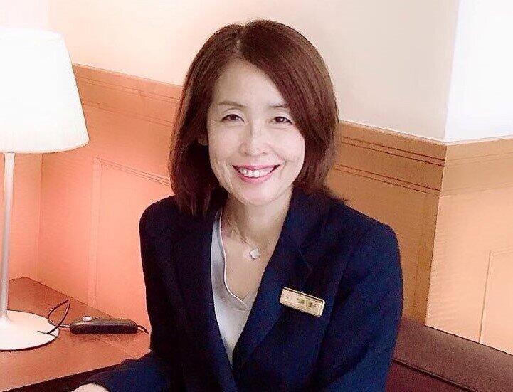 ビジネスマナー講師・加藤優子さん(日本接客リーダー育成協会提供)