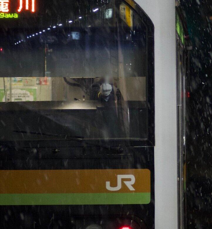 撮り鉄に向かって「中指」立てる 車掌の行動をJR東が謝罪、本人は「カッとなった」と説明