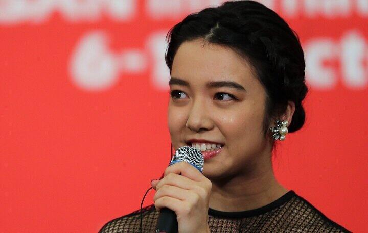 上白石萌音さん(写真:YONHAP NEWS/アフロ)の服装選びの真意は?