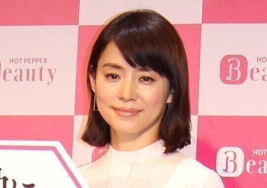 石田ゆり子のマスク姿写真 「かおーのーいちぶーです」