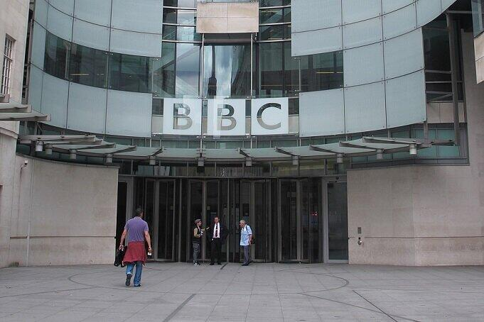 ウイグル報道?免許取り消しの報復? BBCは、なぜ中国で「放送禁止」になったのか