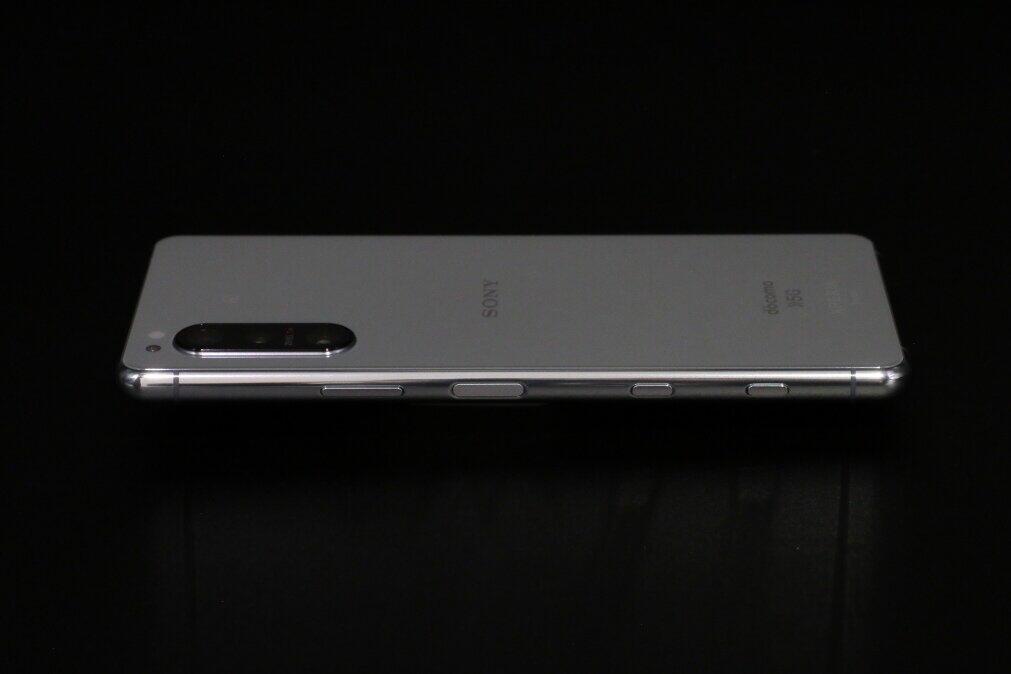 側面ボタンの充実もXperia 5 IIの特徴