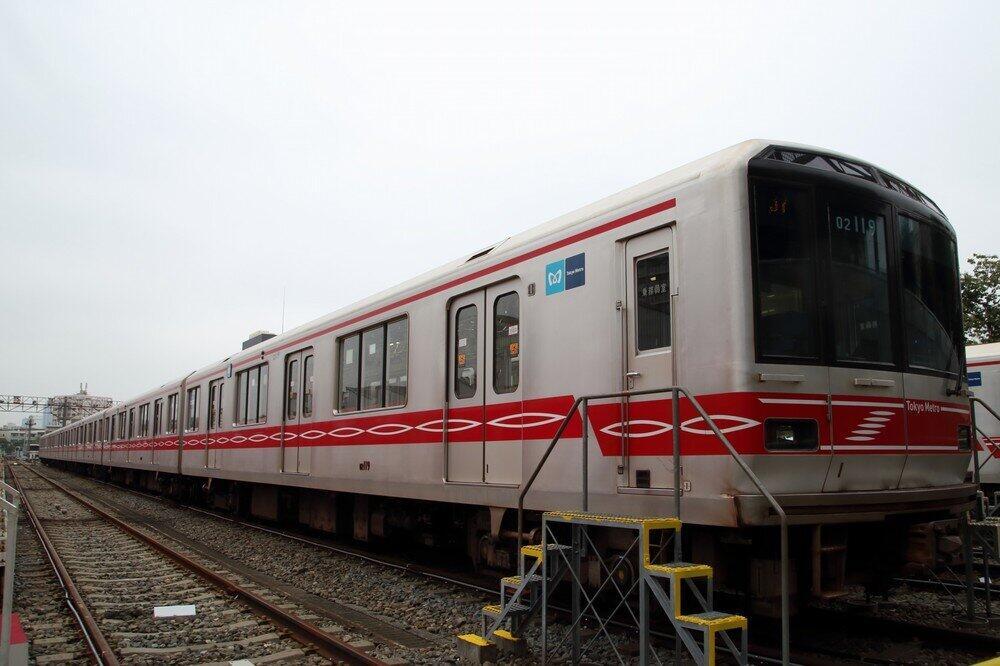 東京メトロ、丸ノ内線の新車導入わずか「1本」 コロナで来年度の投資抑制...旧車両は延命か?