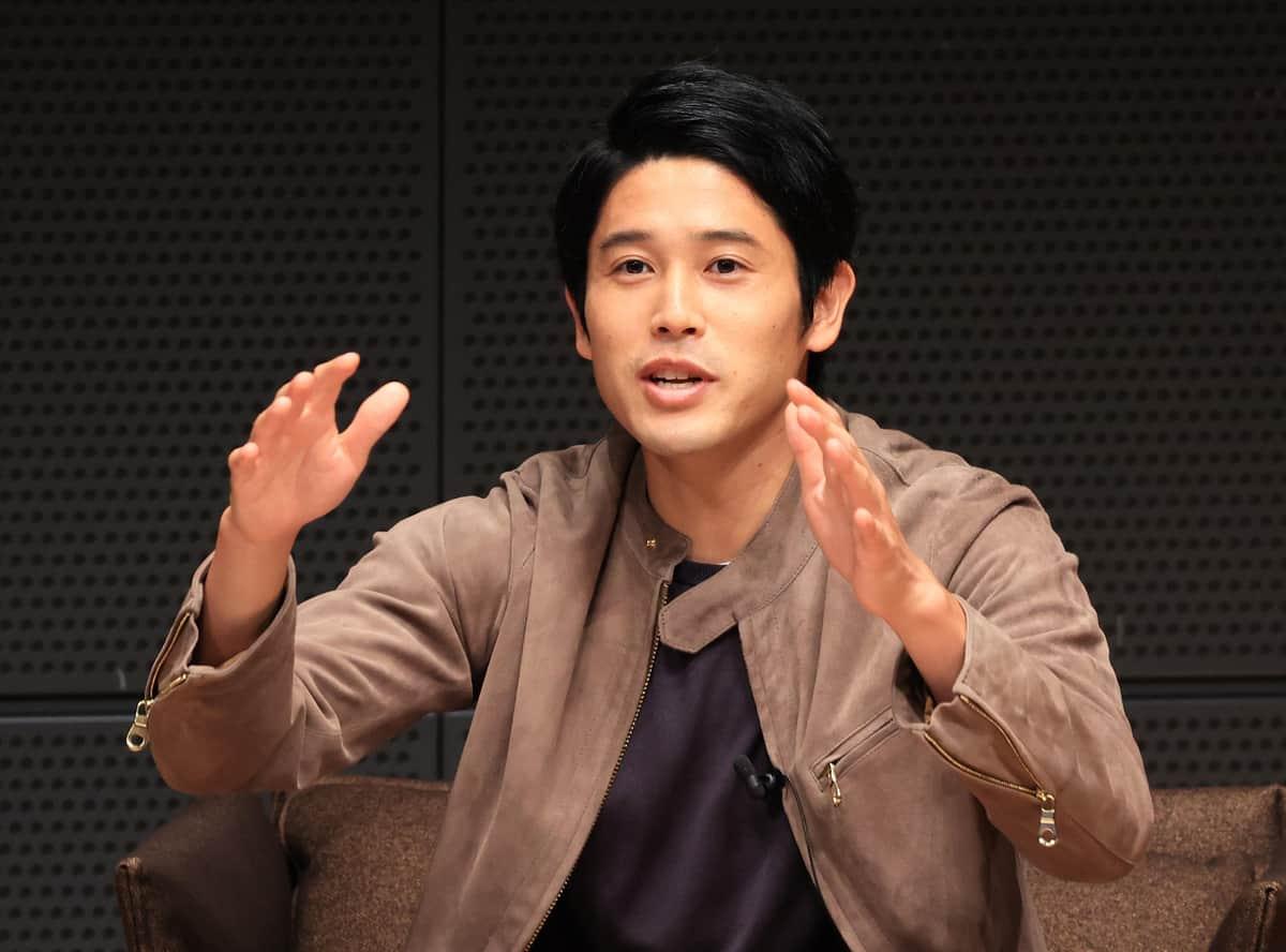 元日本代表の内田篤人氏(写真:つのだよしお/アフロ)