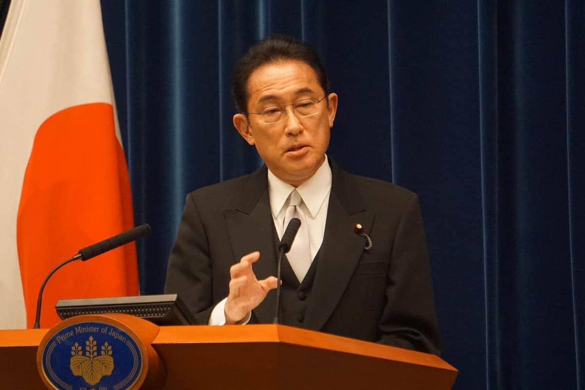 首相として初めての正式な記者会見に臨む岸田文雄首相