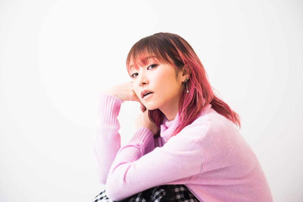 アニソン界のトップランナーであり、J-POP界きってのライブパフォーマーLiSA。今日も「目の前の君」に歌う