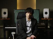 デビュー15周年を迎えた澤野弘之。劇伴作家として、SawanoHiroyuki[nZk] ではアーティストとして、ドラマティックなサウンドでロマンティシズムとグルーヴ感を追求し続ける