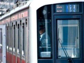 通勤電車の不満「車内放送、ちゃんとしゃべって!」