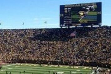 11万人の街に11万人収容のスタジアム!? 大学スポーツの凄まじい人気ぶりを紹介