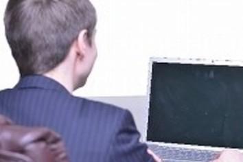 「頭の中を盗聴される」人々とネットの関係