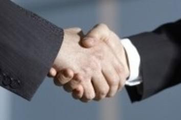 モテモテ社外取締役 報酬総額「3000万から1億円」へ引き上げる会社