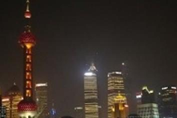 中国経済の減速、「経営にマイナス」64% 日経・社長100人アンケート