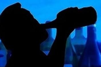 「話の分かる」課長の悲しい酒 「飲みニケーション」が招いた悲劇【職場のストレス大解剖】