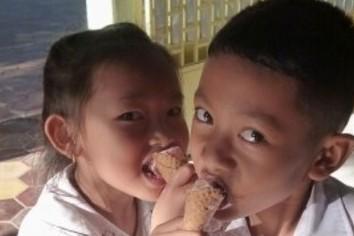 「計算お手上げ」国民だらけ カンボジアで「箱もの」より切実なもの