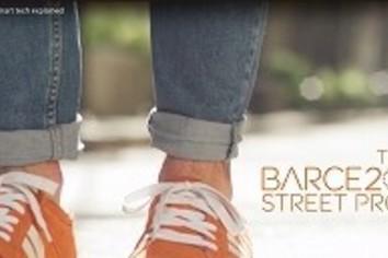 交差点でブルブル道間違えたらブルブル 英LCC、軽やかナビで街歩き提案