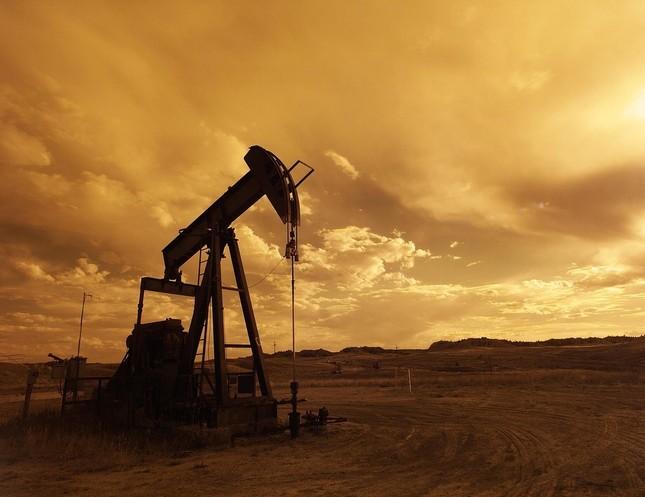 原油のニュースに敏感なので