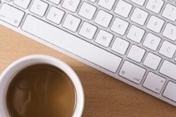 早めに出社しのんびりコーヒー これってムカつくもんですか?