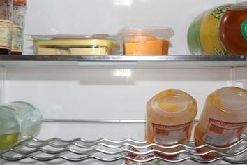 お湯を注いで即、熱々カップ麺 日持ち5日でも主婦や年配なら