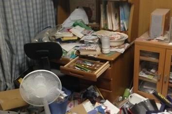 部屋が汚い=仕事ができない お説にギクッ、断捨離せねば