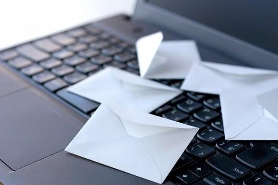 手紙とビジネスメールのマナーはちょっと違う