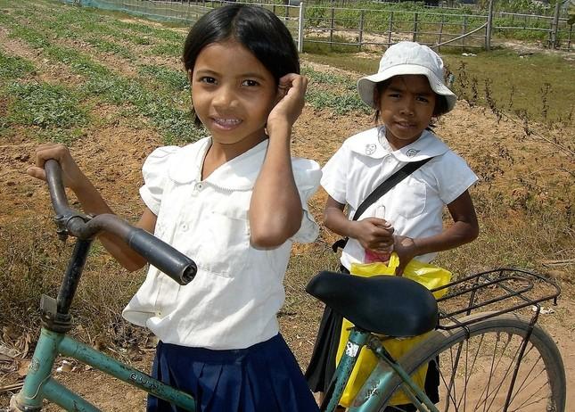 カンボジアの子供たちに必要なのは校舎よりむしろ先生