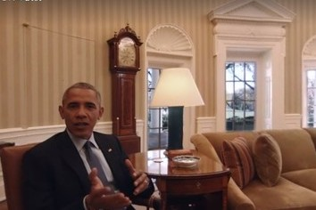 オバマ大統領が大詰めの一仕事 夫妻でホワイトハウスをご案内
