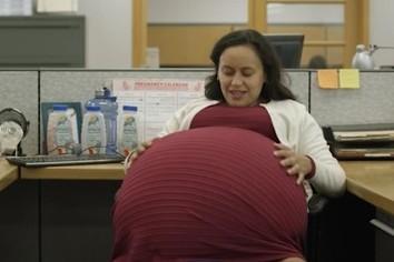 「妊娠5年」の身で働く理由は アメリカ「偉大ではない」内実