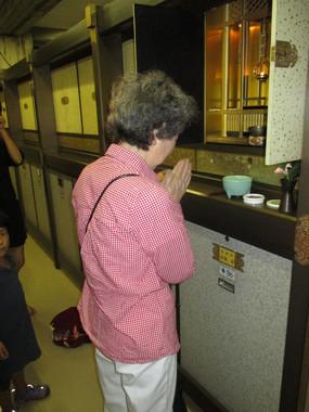 京都の大谷本廟にある岩城家の墓。維持に手間が掛からないのはいいが……