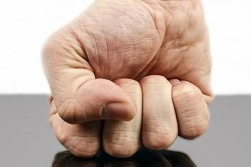 経営者こそ「怒り」リスク負う 知っておきたい「6秒ルール」