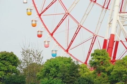 遊園地・テーマパークの売上高は4か月連続で増えた(画像はイメージ)