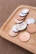 既婚女性のおこづかい1万8424円、07年以来最低