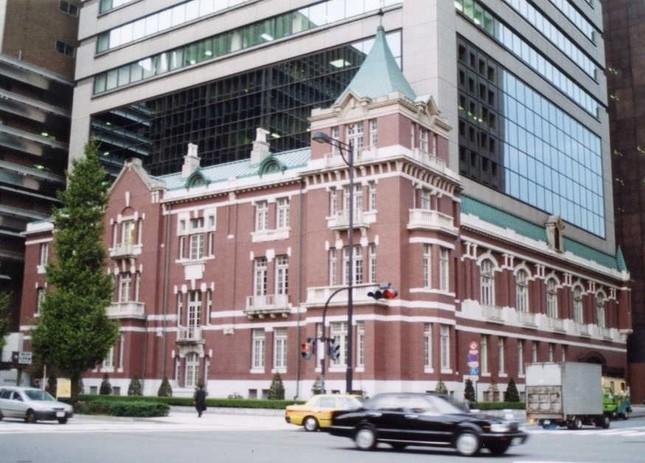 全国銀行の預金が増え続けている(写真は、東京銀行協会ビル)