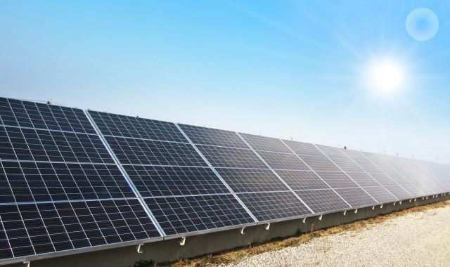 パナソニックの滋賀工場、太陽光発電モジュールの生産を終了(写真はイメージ)