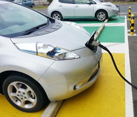 EVカーの充電、5分で完了!(画像はイメージ)