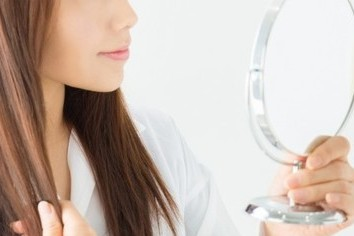 がん治療で外見に変化、6割が「脱毛」 アフラックが10万円給付