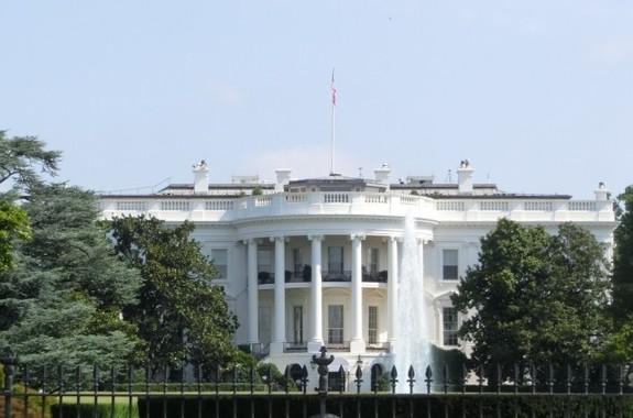 オバマ前大統領の肖像画は「異例づくし」だった(画像は、米ホワイトハウス)
