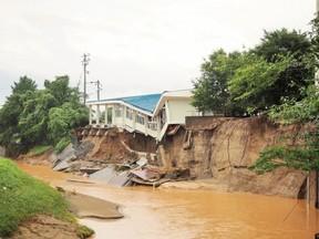 悪質商法の業者は被災地をねらっている(写真は2012年の九州北部豪雨)