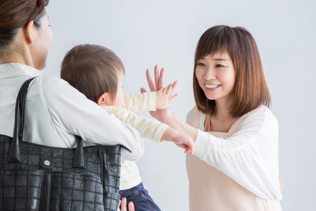 保育所に子どもを預けるママは時短勤務が多い(写真はイメージ)
