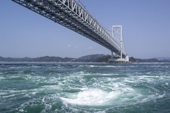 徳島県、社長輩出率で4年連続トップ(写真は、鳴門の渦潮)